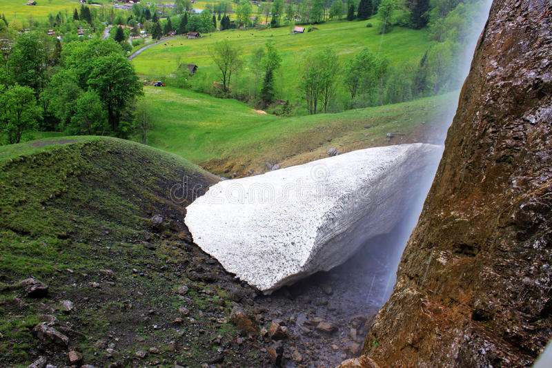 Natürlich gebildetes Kalziumkarbonat in der Schweiz lizenzfreie stockbilder