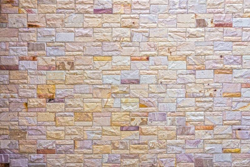 Natürliche bunte Steinwand lizenzfreie stockfotos