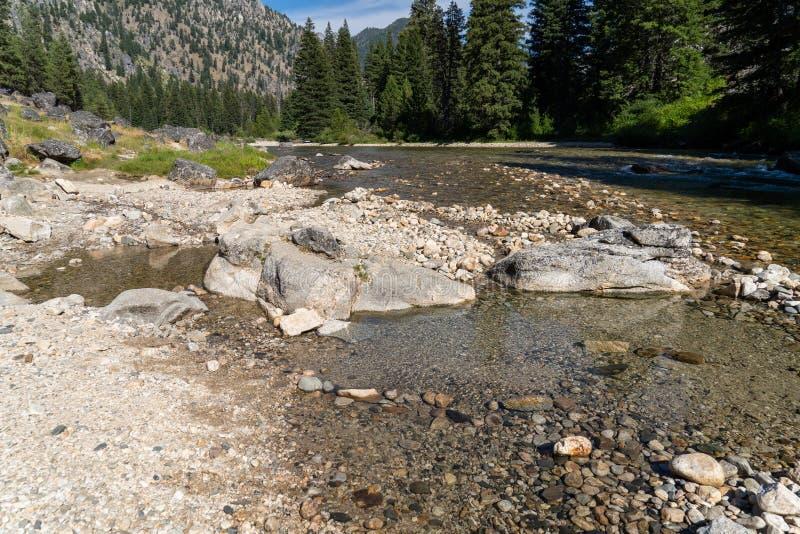 Natürliche geothermische heiße Quelle in Idaho- - Sacajawea-heiße Quellen in Grandjean Große Steine vereinbarten in einem Kreis,  lizenzfreie stockbilder