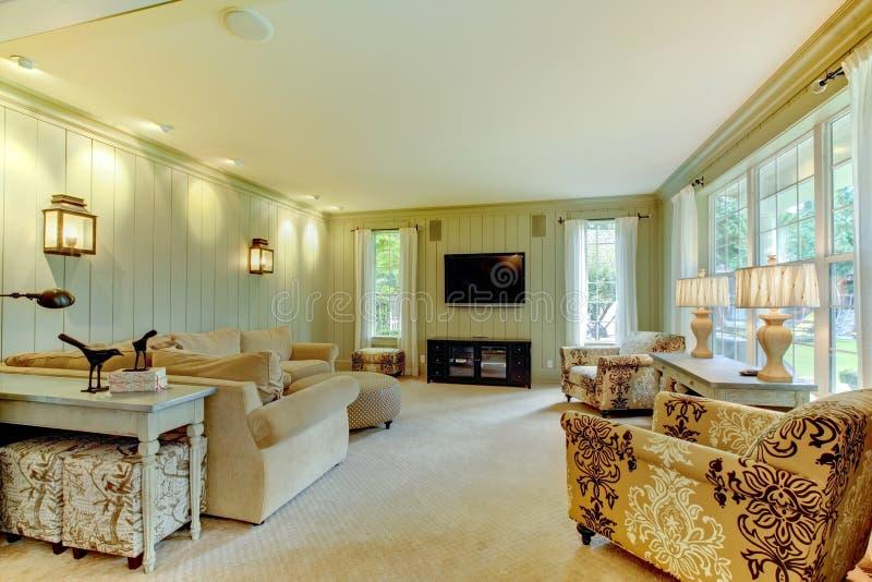 natürliche luxuxsahne und grünes wohnzimmer stockbilder - bild, Wohnzimmer