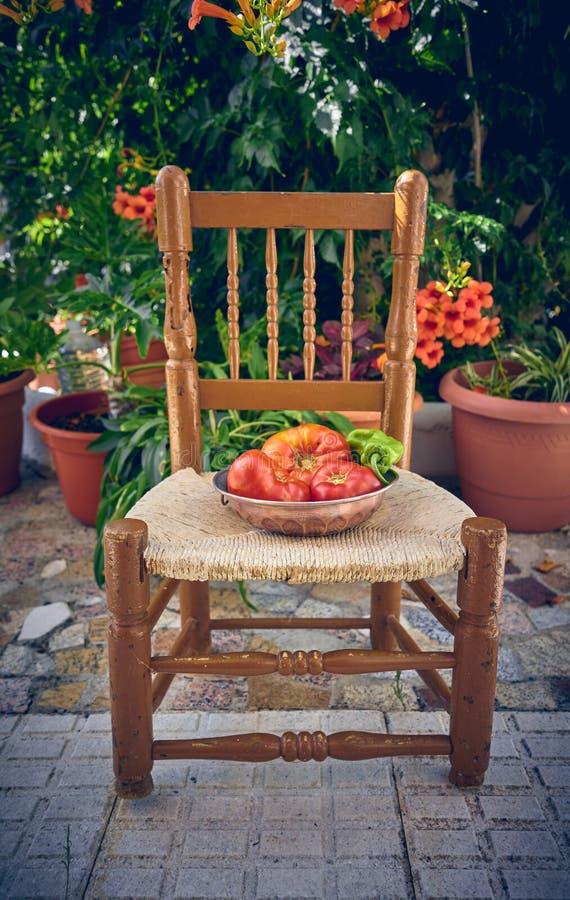 100% natürliche organische Tomaten vom Garten Große nicht-transgene Tomaten stockfoto