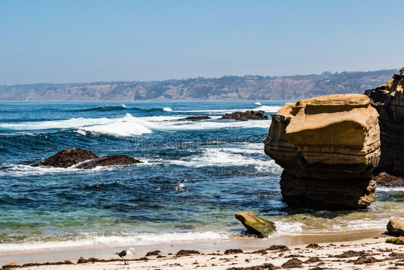 Natürliche Sandstein-Felsformationen in La Jolla, Kalifornien stockfoto
