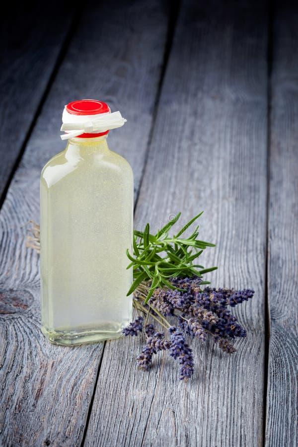 Natürlicher diy Olivenölmake-upentferner stockfotografie