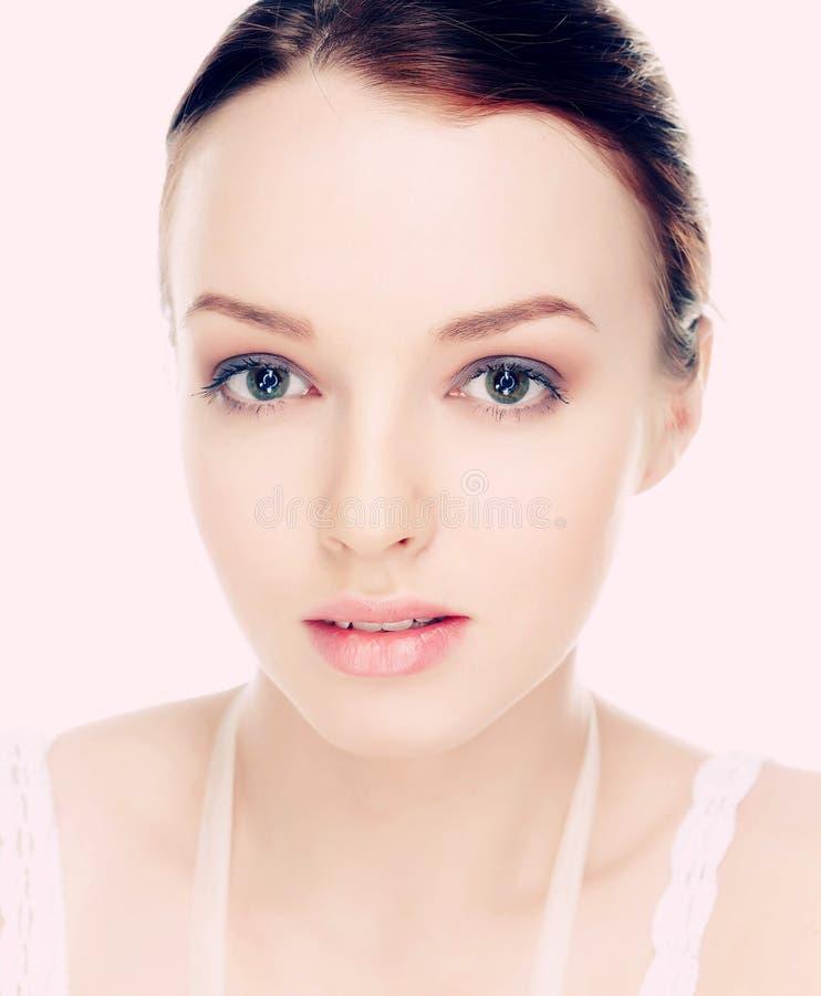 Natürliches junge Frau ` s Porträt stockfoto