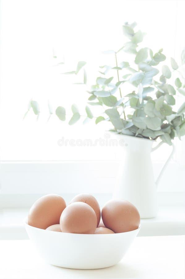 Natürliches Licht Ostern-Zusammensetzung lizenzfreie stockfotos
