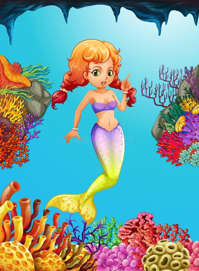Natación linda de la sirena debajo del océano ilustración del vector