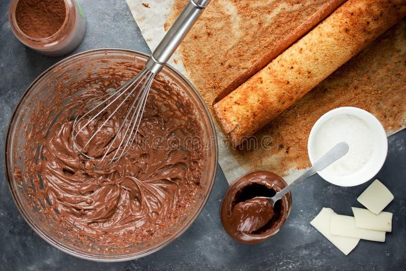 Natal Bush de Noel - cookin caseiro da cavaca do yule do chocolate imagens de stock