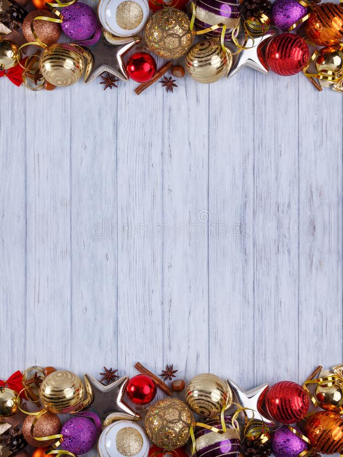 Natal, composição dos feriados do ano novo das decorações e baub imagens de stock