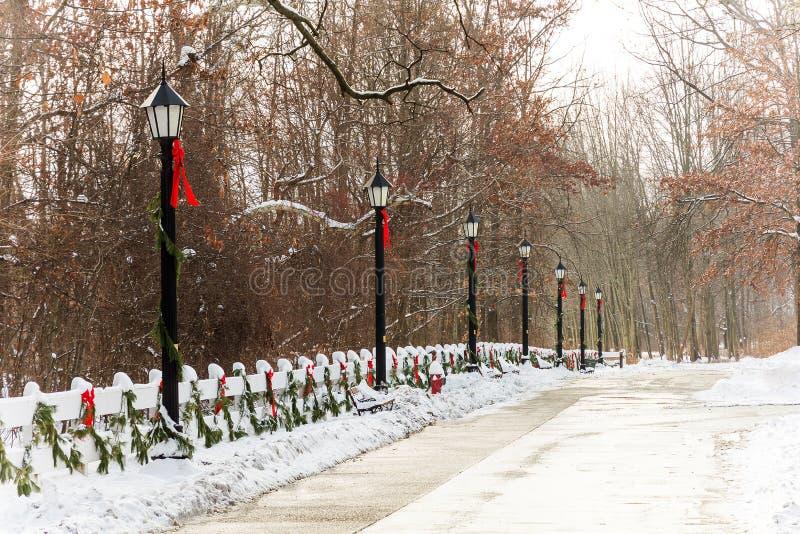 Natal das lâmpadas de rua do estilo antigo fotos de stock