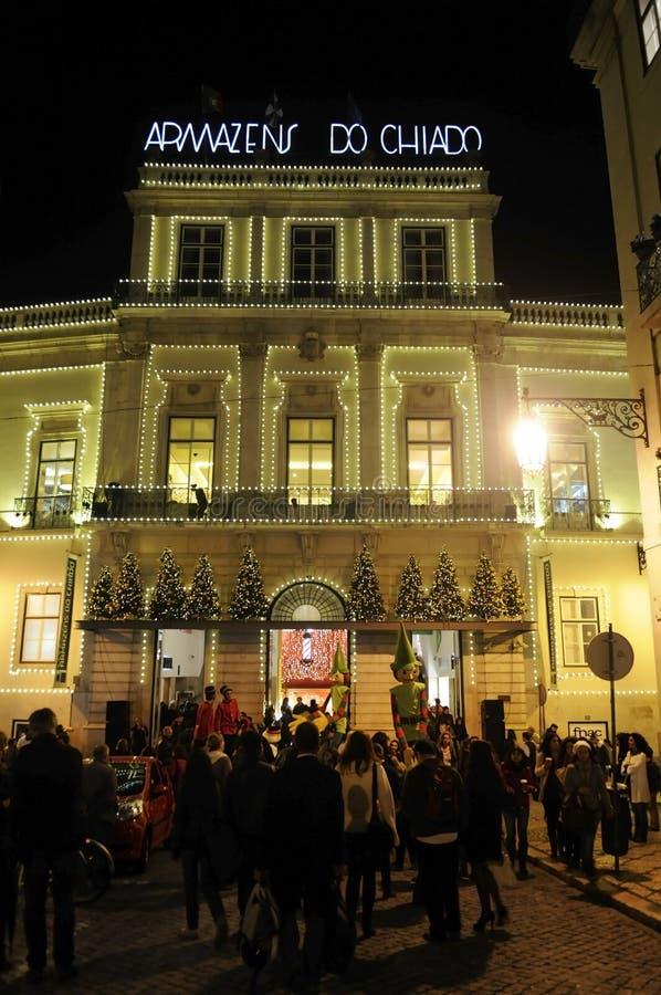 Natal de Lisboa, feriados do Xmas, área de compra de Chiado, curso Portugal, Europa imagem de stock