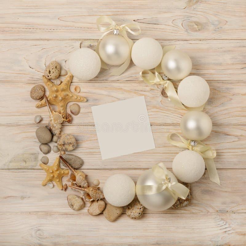 Natal e ano novo Grinalda do Natal do branco da Natal-árvore fotos de stock royalty free
