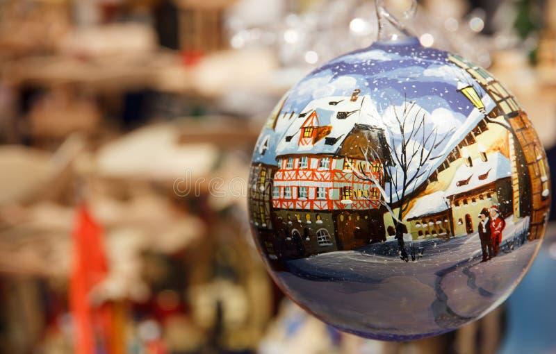 Natal em Alemanha em uma bola foto de stock