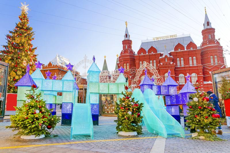 Natal em Moscovo Decoração do ` s do ano novo no quadrado de Manege fotografia de stock