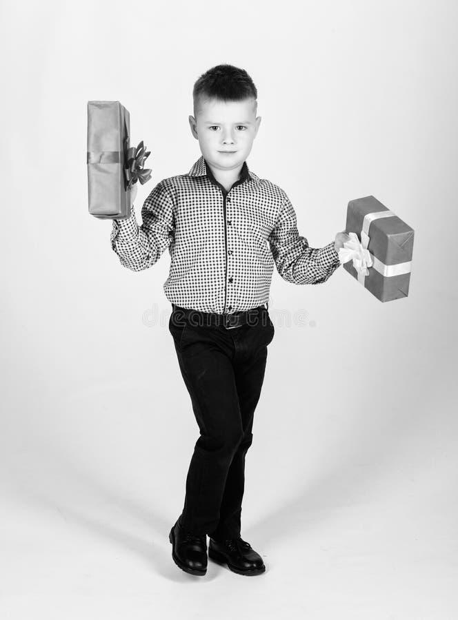 Natal ou presente de anivers?rio Os sonhos v?m verdadeiro Compre presentes Venda sazonal de compra do feriado Bem estar e emo??es imagens de stock