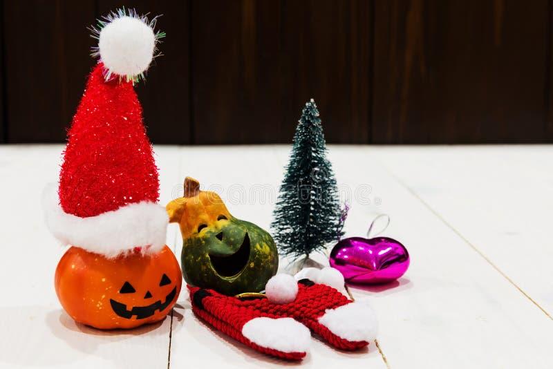 Natal para a abóbora feliz de Dia das Bruxas fotos de stock royalty free