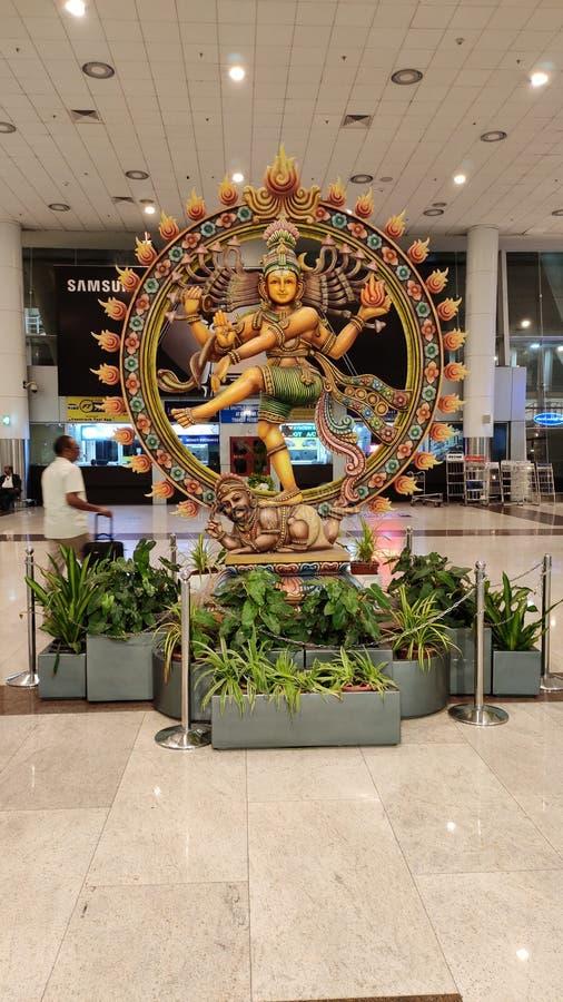 Natarajan drewniana malująca statua przy Chennai lotniskiem międzynarodowym zdjęcie royalty free