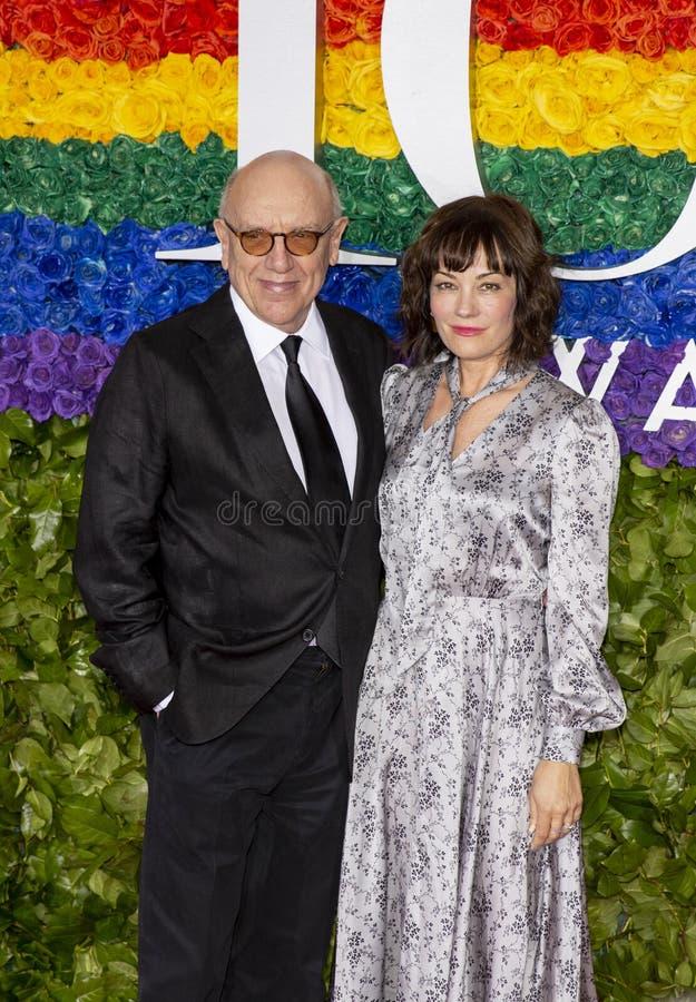 Natasha Gregson Wagner et Mart Crowley chez Tony Awards 2019 photographie stock libre de droits