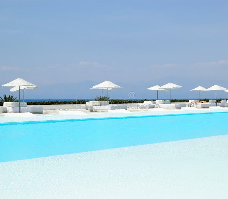 natation moderne de regroupement d'hôtel de zone ultra images libres de droits