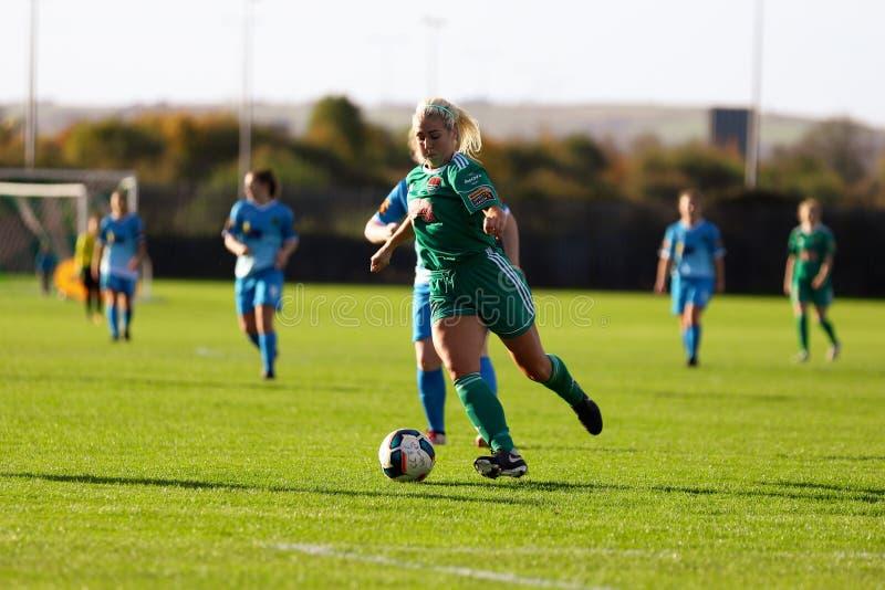 Nathalie Oâ €™Brien pendant le match de ligue national des femmes entre les femmes de Cork City FC et le Peamount unis photos libres de droits