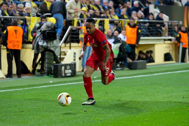 Nathaniel Clyne joue à la correspondance de demi-finale de ligue d'Europa entre le Villarreal CF et le Liverpool FC photographie stock libre de droits