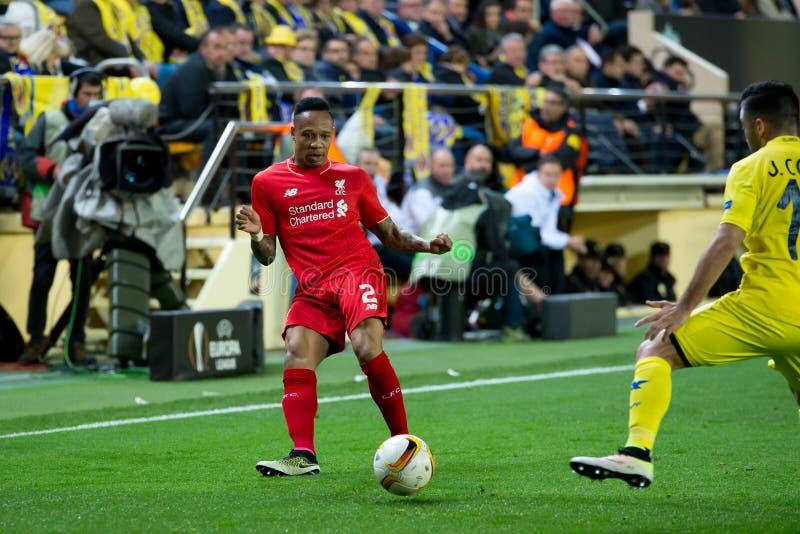 Nathaniel Clyne joue à la correspondance de demi-finale de ligue d'Europa entre le Villarreal CF et le Liverpool FC photos libres de droits