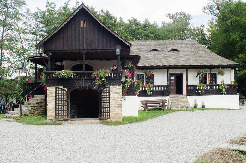 Nationaal Astra Museum in Sibiu - Oud traditioneel huis (vele stijlen en vormen) stock afbeeldingen