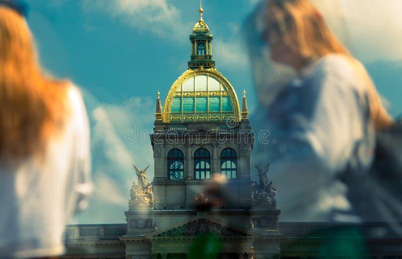 Nationaal museum in Praag na wederopbouw stock foto
