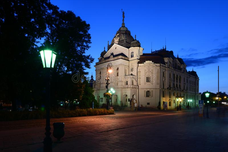Nationaal theater in Kosice bij nacht royalty-vrije stock afbeelding