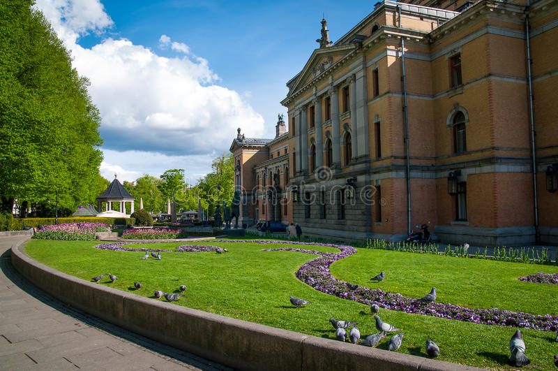 Nationaal Theater in Oslo royalty-vrije stock afbeeldingen