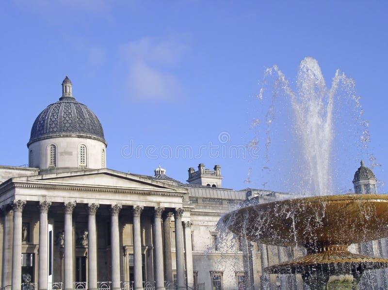 National Gallery nel quadrato di Trafalgar fotografia stock libera da diritti