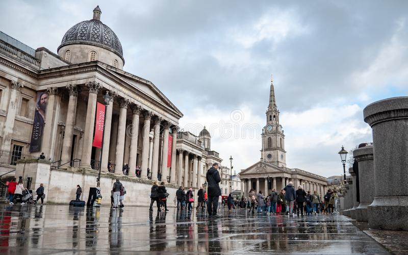 National Gallery, Trafalgar Square, London royaltyfri foto