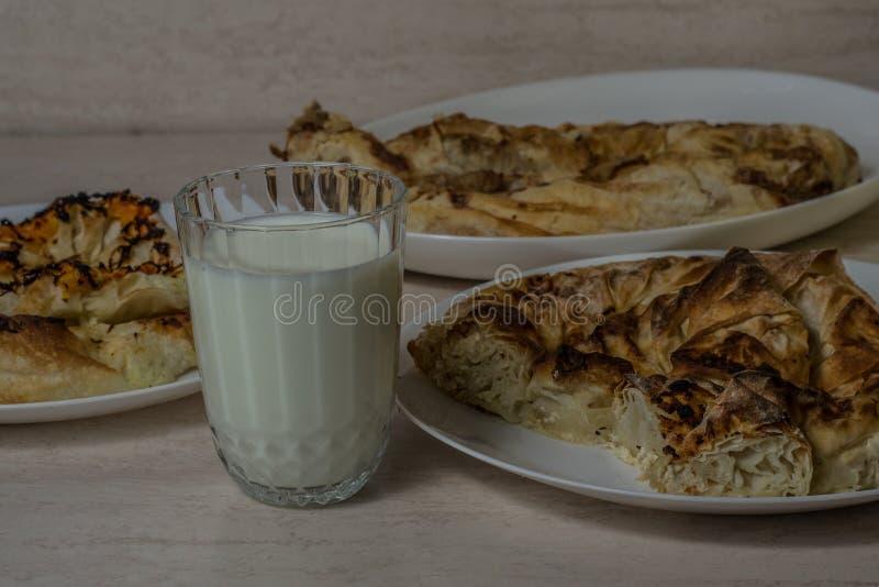 Nationale Balkan-Torte - Banitsa lizenzfreie stockbilder