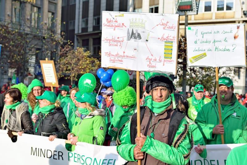 Nationale die manifestatie tegen versoberingsmaatregelen door Belgische overheid worden geïntroduceerd royalty-vrije stock afbeelding