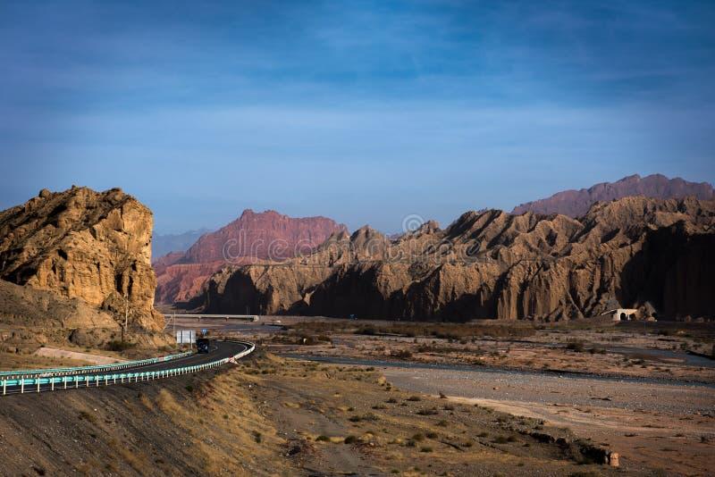 Nationale geologische park van de Tianshan het grote canion stock afbeelding