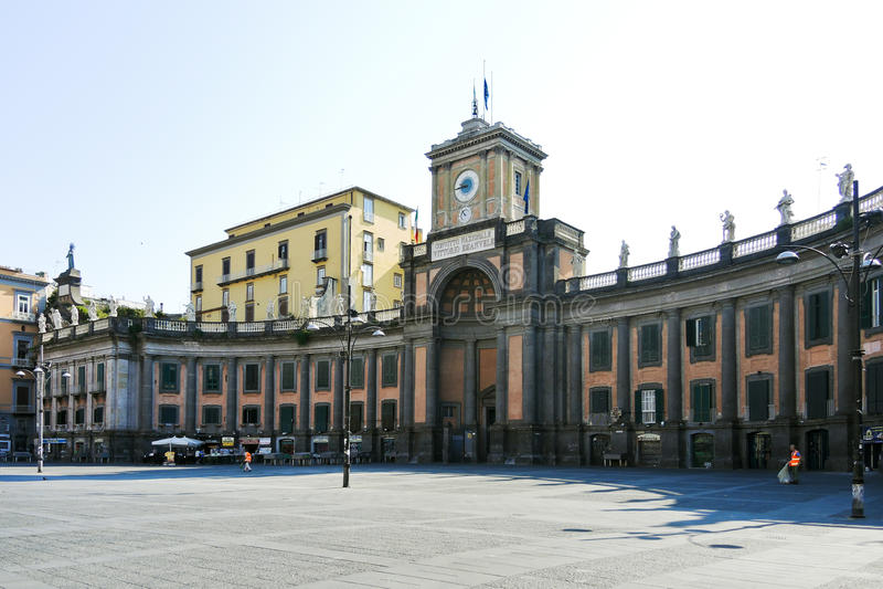 Nationale Universiteit op Piazza Dante Alighieri, Napels stock fotografie