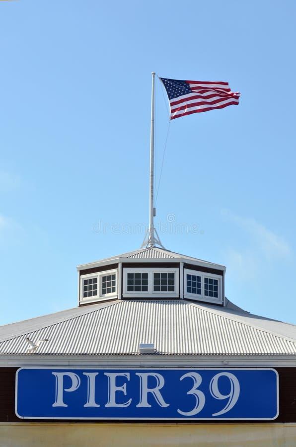 Nationale vlag van de V.S. op Pijler 39 San Francisco CA royalty-vrije stock foto