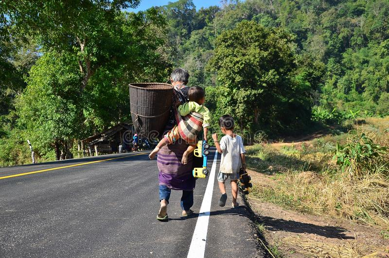 Nationale Weg Nr 105, Mae Sot - Mae Sariang royalty-vrije stock foto
