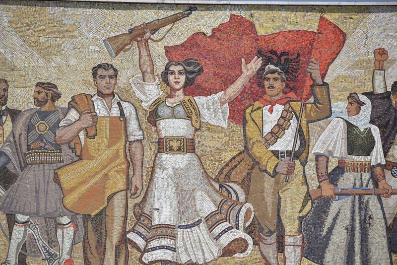 Nationales Geschichtsmuseum, Detailansicht über das Außenmosaik, Tirana, Albanien lizenzfreie stockfotografie