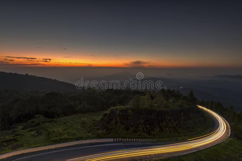 Nationalpark Doi Inthanon im Sonnenaufgang bei Chiang Mai Province lizenzfreie stockfotografie