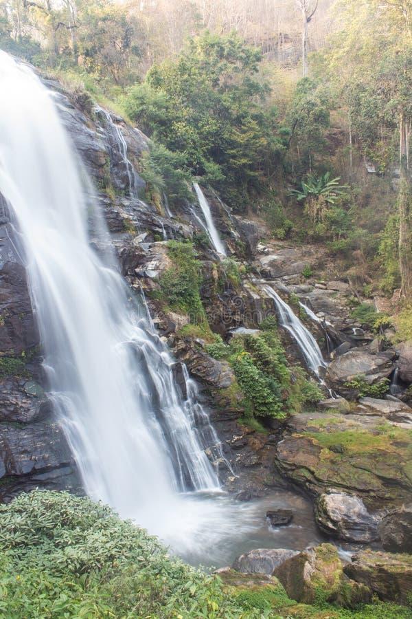Nationalpark för inthanon för Wachirathan vattenfalldoi, Chomthong Chiang Mai arkivfoton