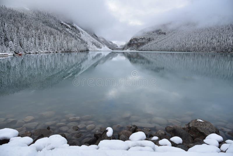 Nationalpark Kanada Lake- Louisebanff stockfotos