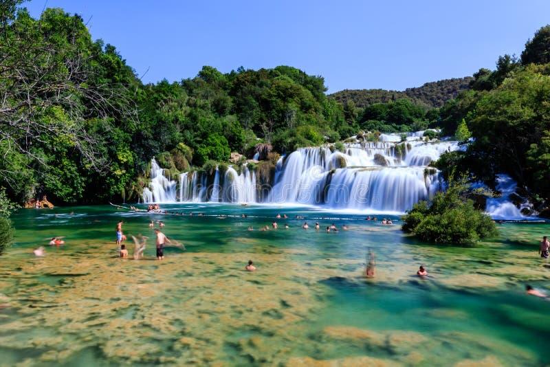 Nationalpark Krka och kaskad av vattenfall royaltyfria foton