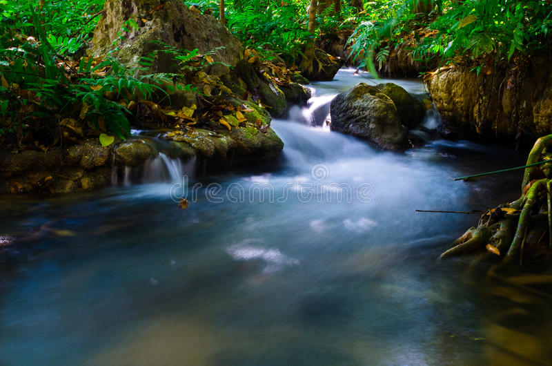 Nationalpark Thailand des Wasserfalls lizenzfreie stockfotos