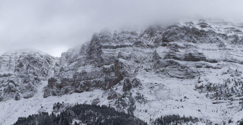 Download Nationalpark Von Cadi - Moixero Stockbild - Bild von zieleinheit, frost: 27732325