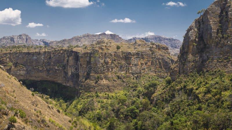 Nationalparklandschaftsschluchtmarkstein Isalo in Madagaskar lizenzfreies stockbild