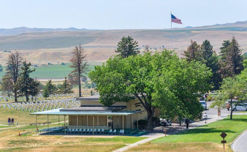 Nationell monument för Little Bighornslagfält, MONTANA, USA - JULI 18, 2017: Custer Battlefield Museum Custer National Cemetery i arkivbilder