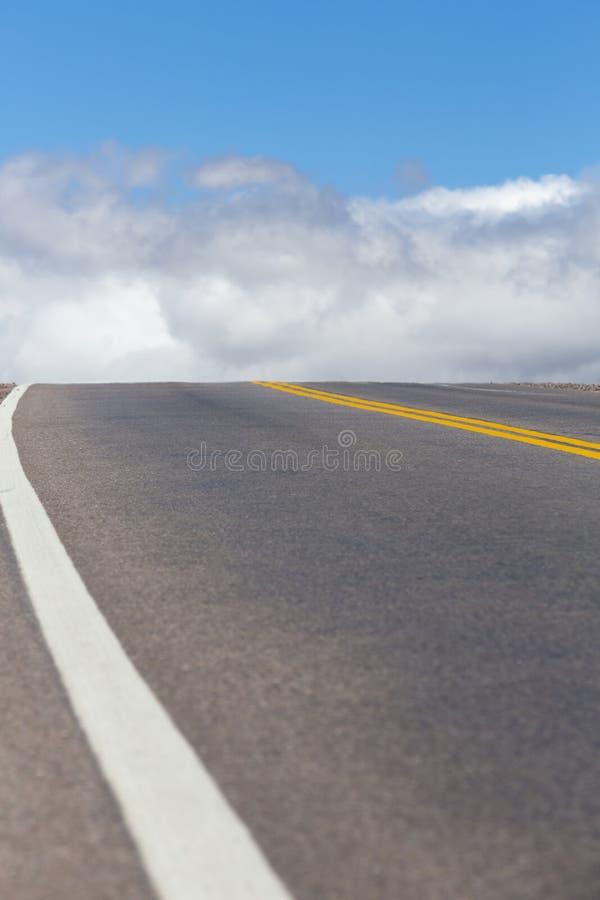 Nationell rutt 40 i nordliga Argentina arkivfoton