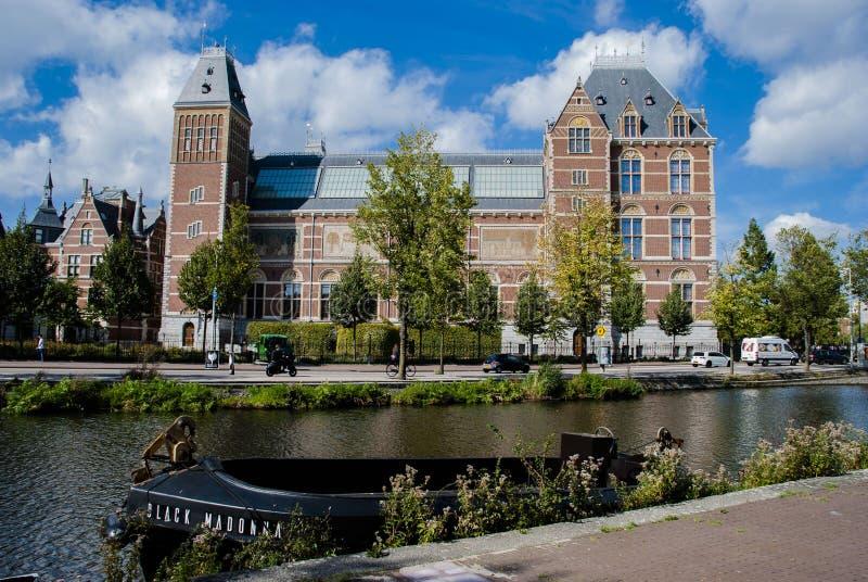Nationellt museum 'Rijksmuseum 'i Amsterdam, Nederländerna royaltyfri fotografi