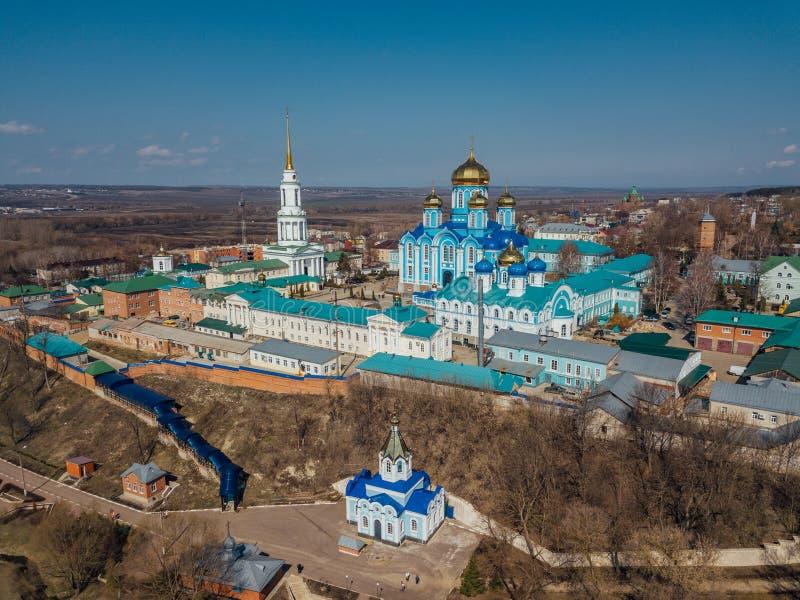 Natividade de nossa senhora Monastery e catedral do ?cone de Vladimir da m?e do deus em Zadonsk, regi?o de Lipetsk imagem de stock royalty free