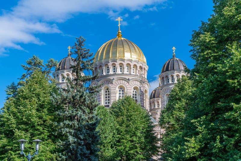 A natividade de Riga da catedral de Cristo, Letónia foi construída em um neo-Byz imagem de stock royalty free